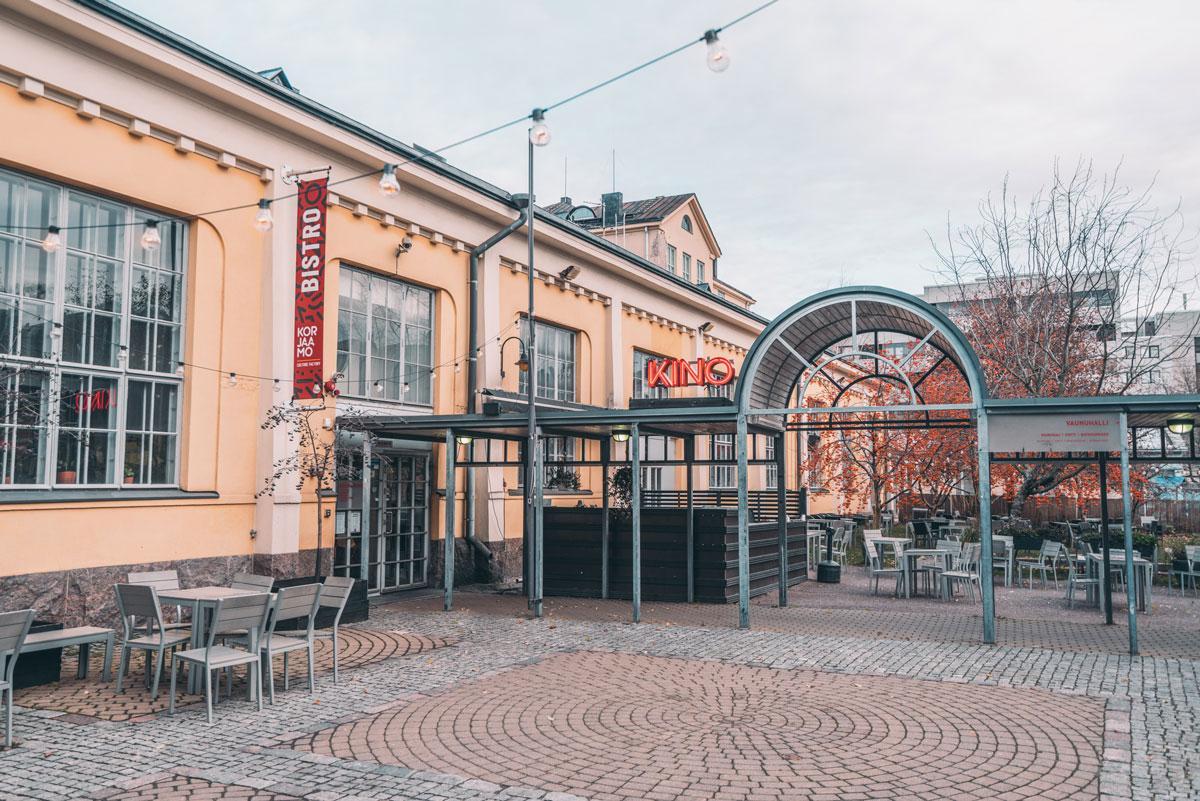Korjaamo-Helsinki-Sushibar+wine-1